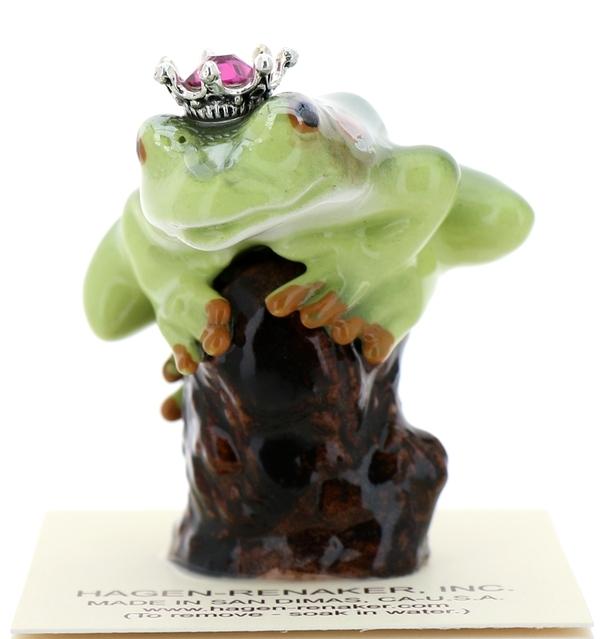Frog prince on stump41