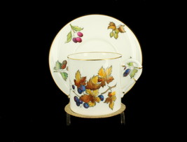 Vintage Royal Worcester Gooseberry Grapes Fall Stunning Demitasse Cup Sa... - $29.69