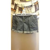 Tommy Hilfiger Womens Size Size 10 Vintage Cuffed Denim Blue Jean Shorts - $16.33