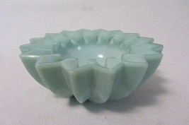 Boyd Art Glass Notched Ashtray Misty Vale B In Diamond 1st Five Years - $19.99