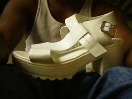 Steve Madden steffano SIZE 8M WHITE sandals - $17.20