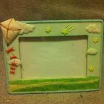 Russ Berrie Picture FRAME--CLOUDS / KITE--3.5 X 5--FREE SHIP--VGC - $9.88