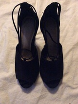 Vince Camuto velvet heels black size 7m - $19.99