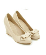 84h060 elegant wedge pump with bow top, Size 3-10 - $48.80