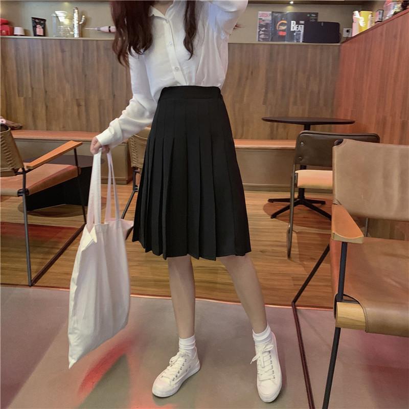 Pleated skirt white black  8