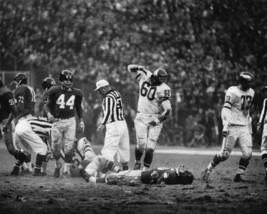 Chuck Bednarik Eagles Frank Gifford Giants 1960 SFOL 8X10 BW Football Photo - $7.99