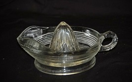 Old Vintage Juicer Reamer Ribbed Loop Handle & Spout Country Kitchen Too... - $19.79