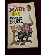 MAD Dave Berge Looks At People 1966 1st PRINTING Paperback Mad Magazine - $15.83