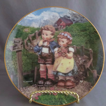 M.J. Hummel Collector Plate COUNTRY CROSSROADS - $4.00
