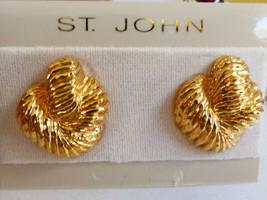 Designer St John Signed Gold Tone Metal Clips Clip On Earrings On Card New - $51.48