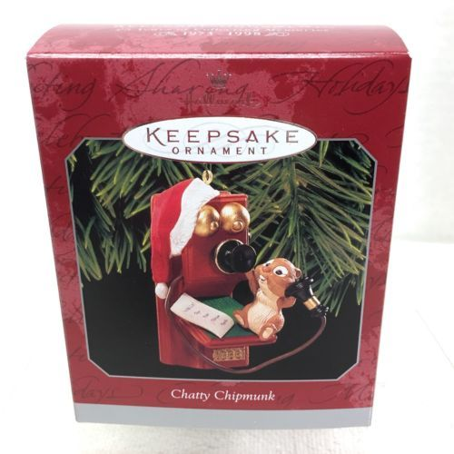 1998 Chatty Chipmunk Hallmark Christmas Tree Ornament MIB Price Tag H6 - $14.36