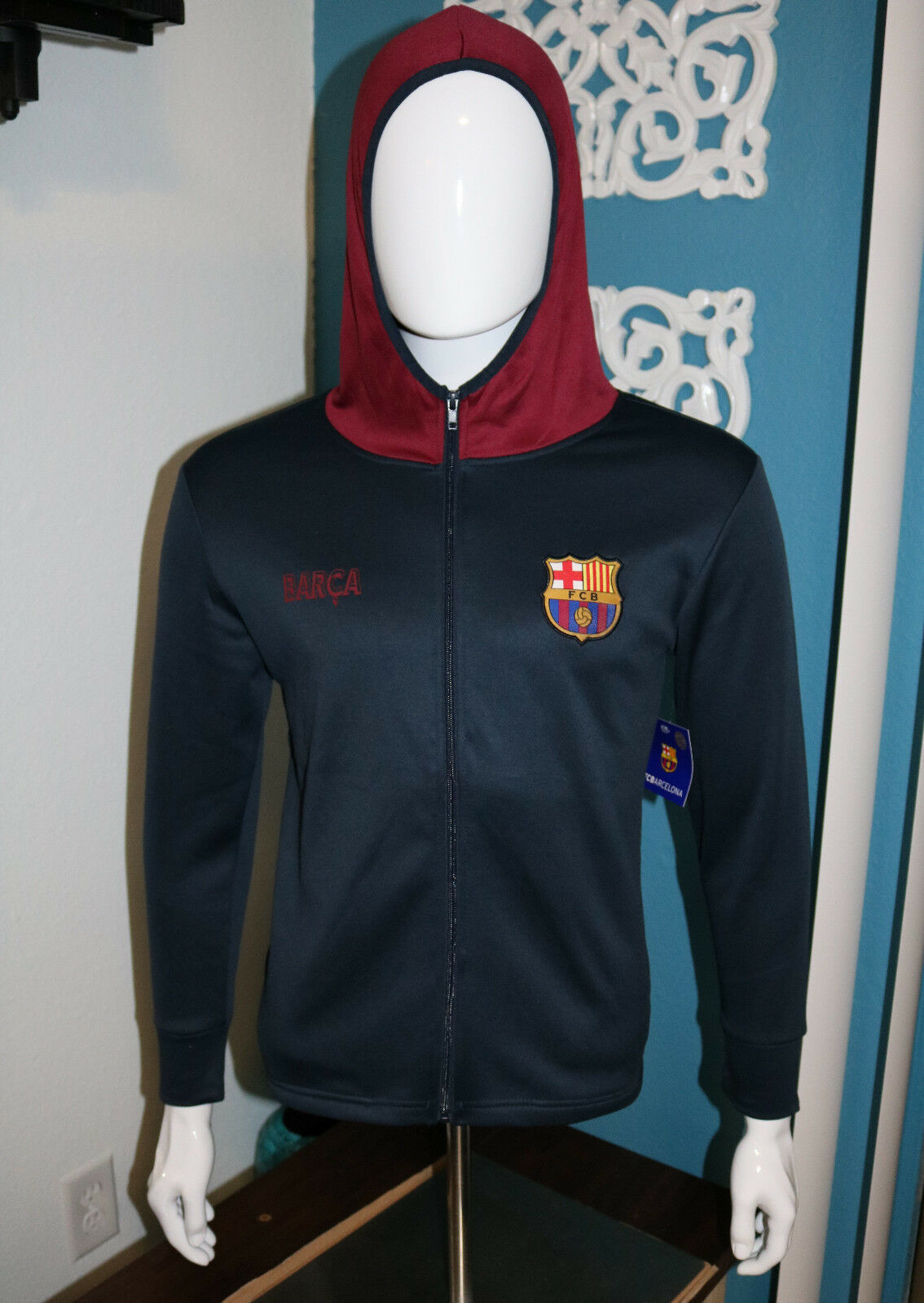 Primary image for FC Barcelona Men Size Large Medium FCB Messi Mes Que Un Club Long Sleeve Hoodie