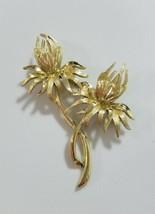 Vintage daisy flower brooch flower silver tone - $22.77
