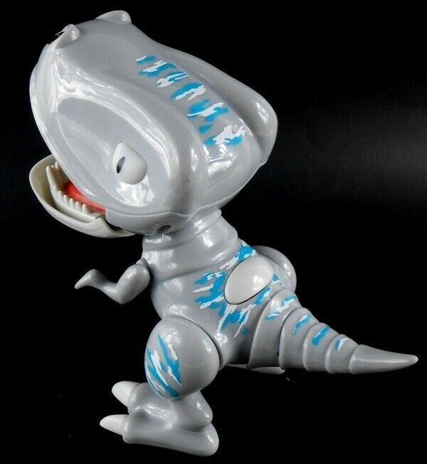 Zoomer Chomplingz Spin Master REEF Gray Interactive Chomping Dino Ages 5-12