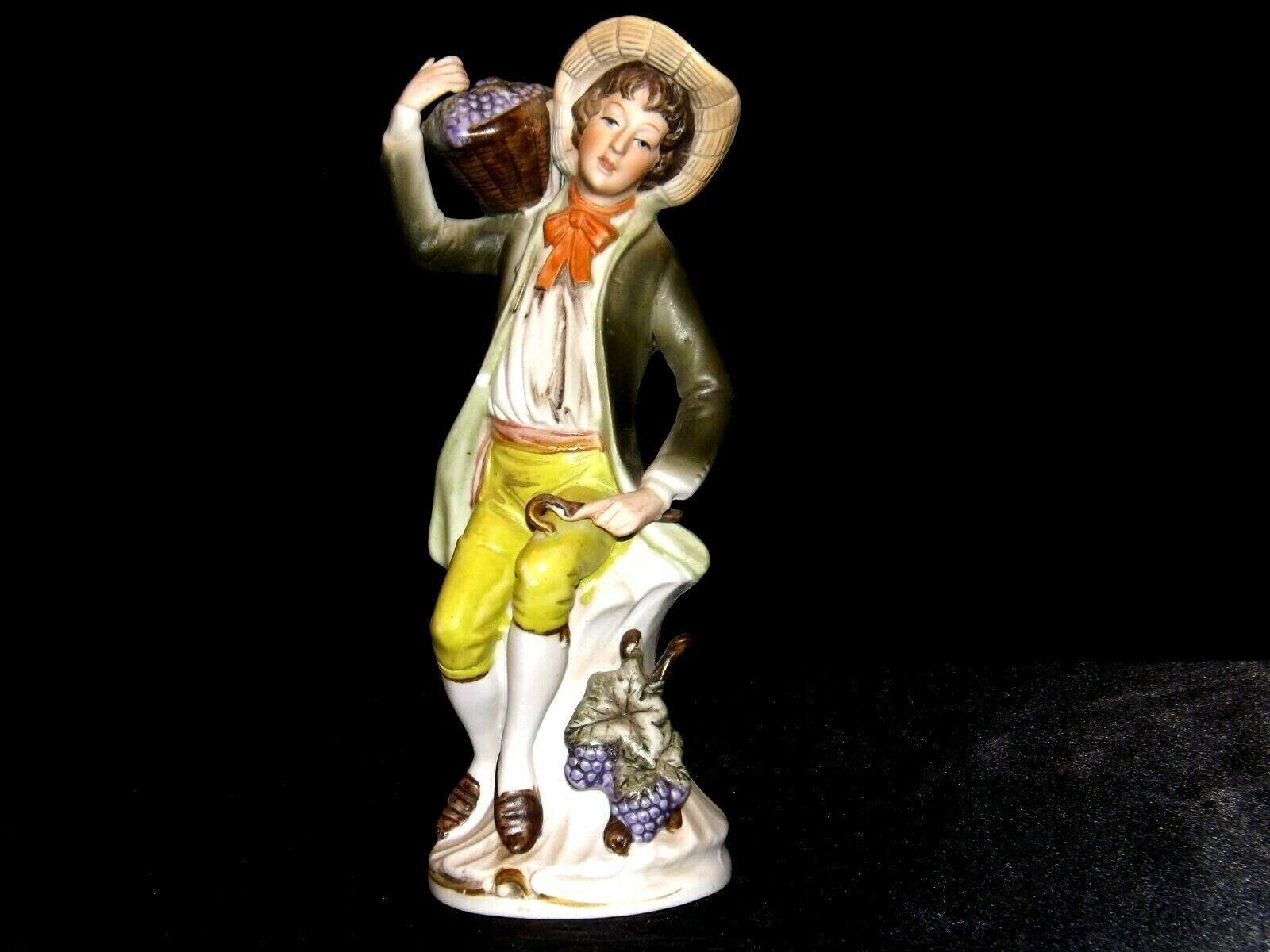 Figurine of a Young Man HOMCO 1258 AA19-1620 Vintage