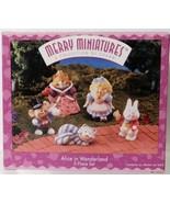 Hallmark Merry Miniatures Alice in Wonderland 1996 - $9.90