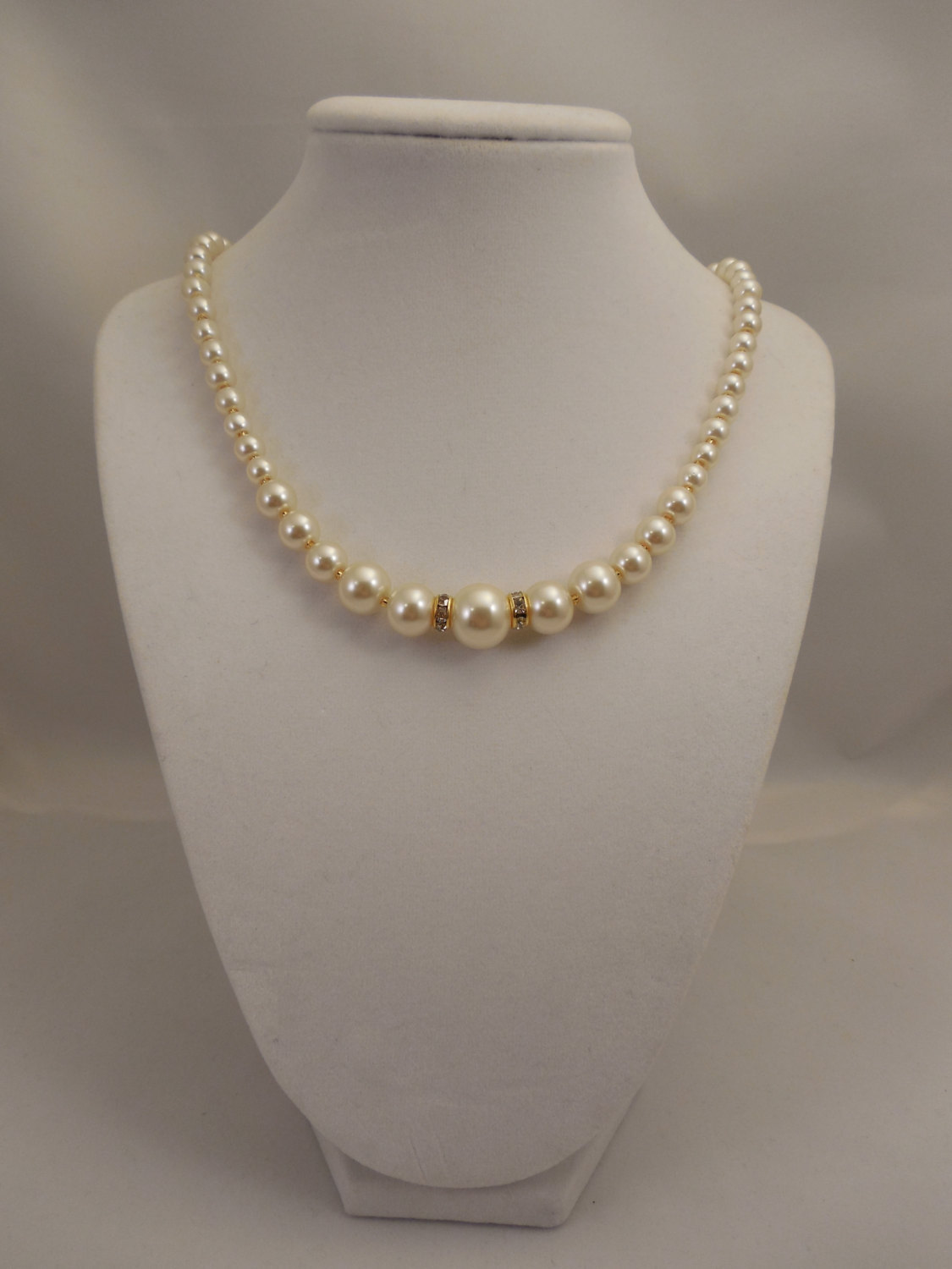 One Strand Embossing Look Cream Glass Pearl Necklace with Sparkle Spacer image 2
