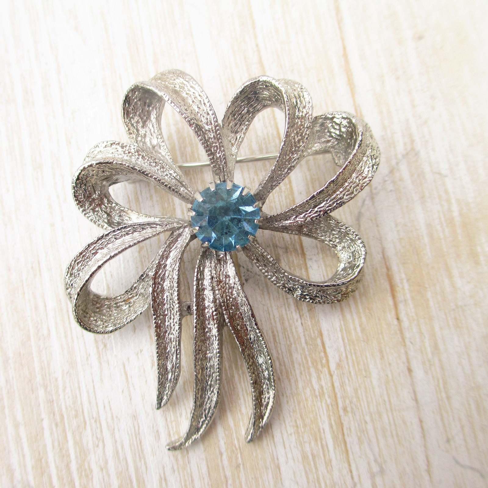 Vintage Liz Claiborne White Clear Rhinestone Heart Brooch Silver Tone Pin Jewelry Circa 1980/'s Crystal Costume Jewelry