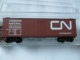 Micro-Trains # 04700160 Canadian National 40' Double-Sheathed Wood Reefer (N) image 1