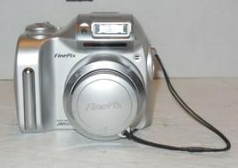 Fujifilm FinePix 2800 Zoom 2.0MP Digital Camera - Silver - $35.06