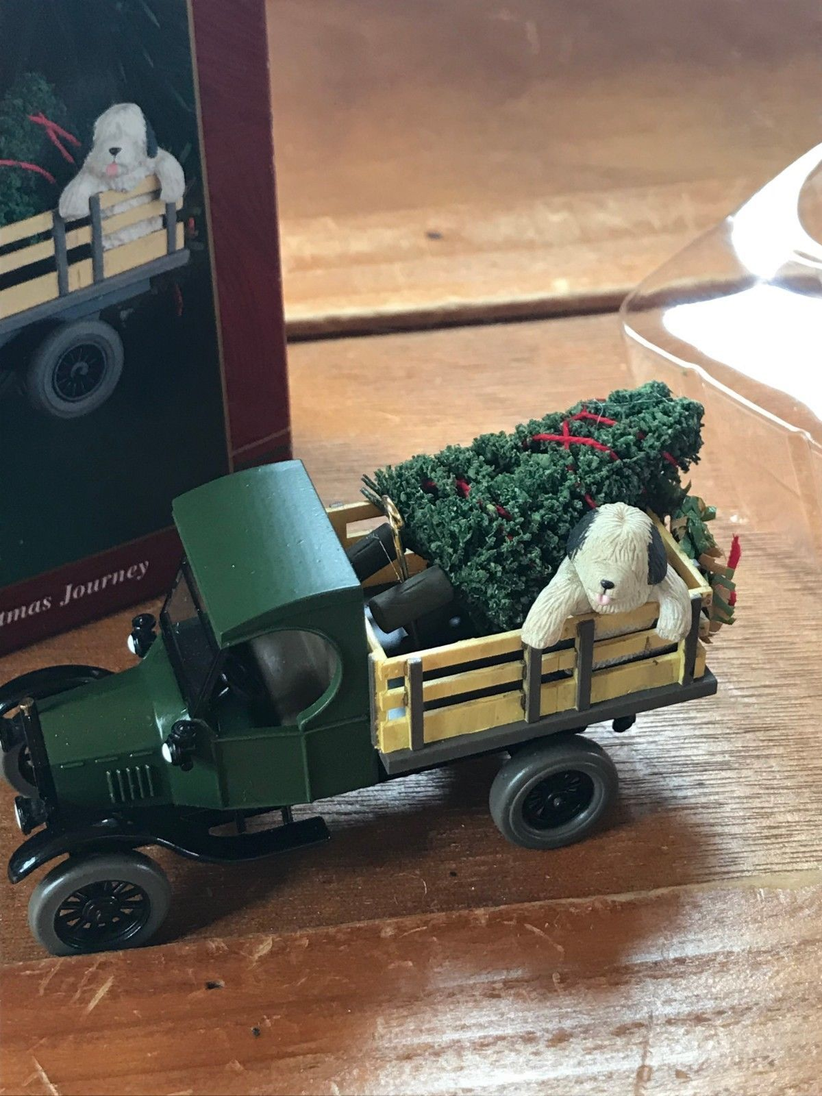 Carlton Cards Ford Truck w Sheep Dog Old-Fashioned Christmas Journey Tree Orname