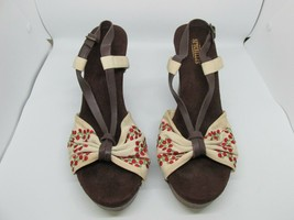 SEYCHELLES Sandals Embroidered Floral Fabric Wooden Wedge Heel sz 9 Sling - $24.95