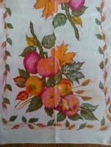 VINTAGE LINEN PRINT KITCHEN TOWEL ~ LOVELY FRUIT & LEAVES DESIGN - $5.93