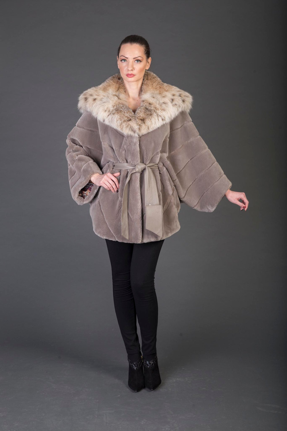 Primary image for Luxury gift/Mike Beaver Fur Coat/Fur jacket /hooded wiith belt/Wedding,or annive