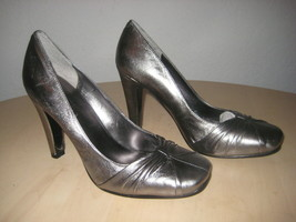Nine West New Womens Shamira Pewter Leather Heels 6 M Shoes Display Model - $58.41