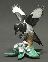 THE LENOX GARDEN BIRD COLLECTION Black Billed Magpie (Fine Porcelain 2002) - $89.05