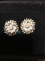 Vintage Signed Lisner Silvertone Clip On Earrings - $9.89