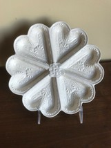 Vtg White Porcelain Heart Shortbread Cookie Mold. MMA Museum repro Staff... - $21.78
