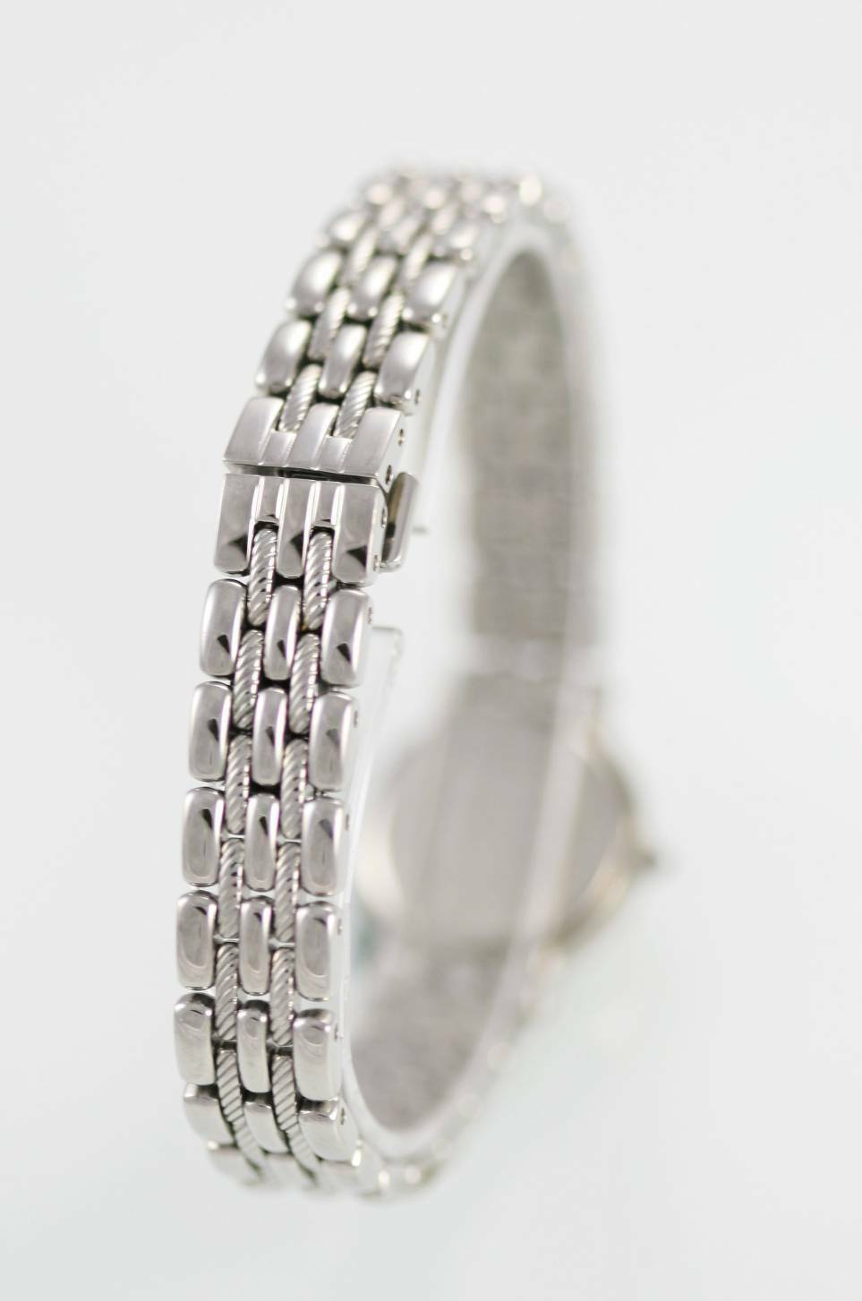 Seiko Womens Watch White Gold Stainless Steel Silver Battery Water Resist Quartz