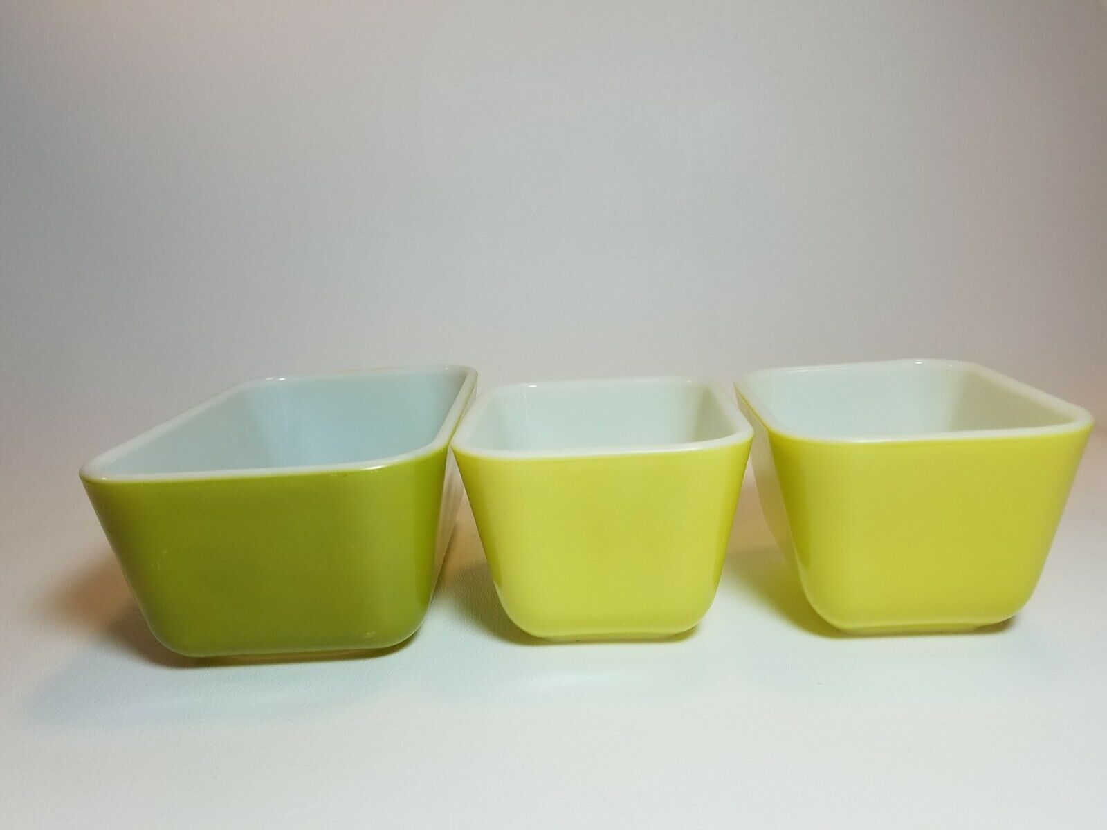 Vintage Pyrex Verde Green and Yellow 501 & 502 Refrigerator Dishes No Lids image 3