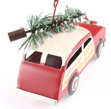 Tin Woody Wagon Car With Wreath and Christmas Tree Ornament NEW image 5