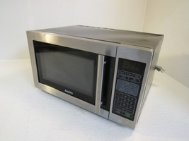 Sanyo Countertop Turntable Microwave Oven Stainless/Black 1000W EM-S6588S - $67.97
