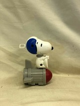 Fast Food Toy McDonald's Charlie Brown Snoopy Astronaut Peanuts 2018 - $0.98