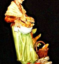 Large Old Lady Figurine with Corn and Basket AA19-1564 Vintage image 4