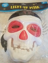 Light-Up Mask Pirate Halloween upc 639277787514 - $20.46