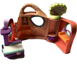 Littlest Pet Shop Get Better Center With X Ray Table - $8.90