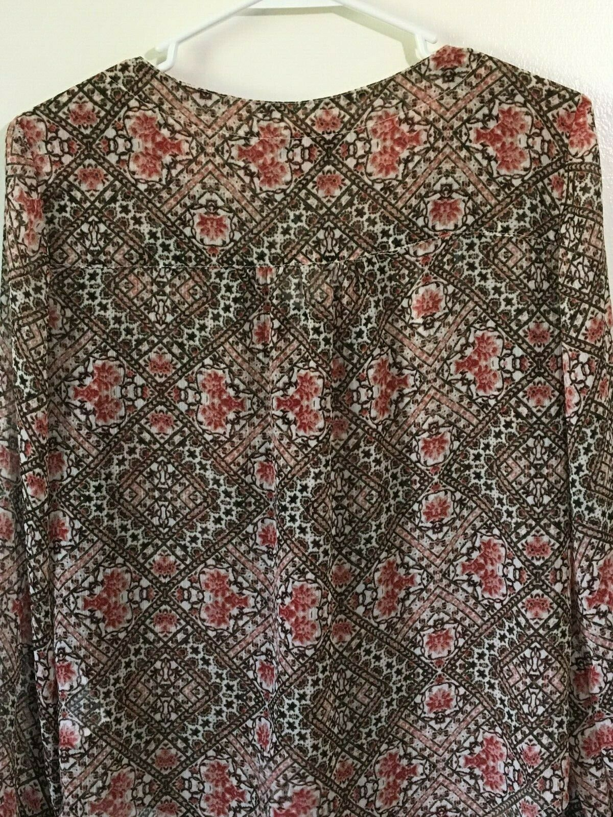 Women's Top Blouse Size M Semi Sheer Long Sleeve Red Floral Jessica Simpson