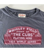 Red Jacket Chicago Cubs Wrigley Field Sign 1935 World Series Gray T-Shir... - $14.84