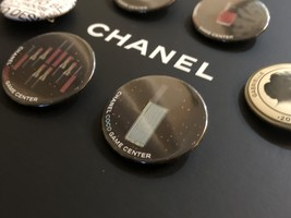 LIMITED EDITION AUTHENTIC CHANEL VIP COCO GAME CENTER BROOCH PIN SET RARE  image 6
