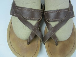 Sandals Womens Size W6 Ugg Australia Brown tan khaki leather Toe strap EUC - $18.59