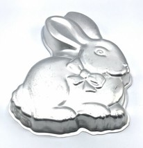 Wilton Cake Pan Cottontail Bunny Rabbit 2105-175 Easter With Instructions - $18.99