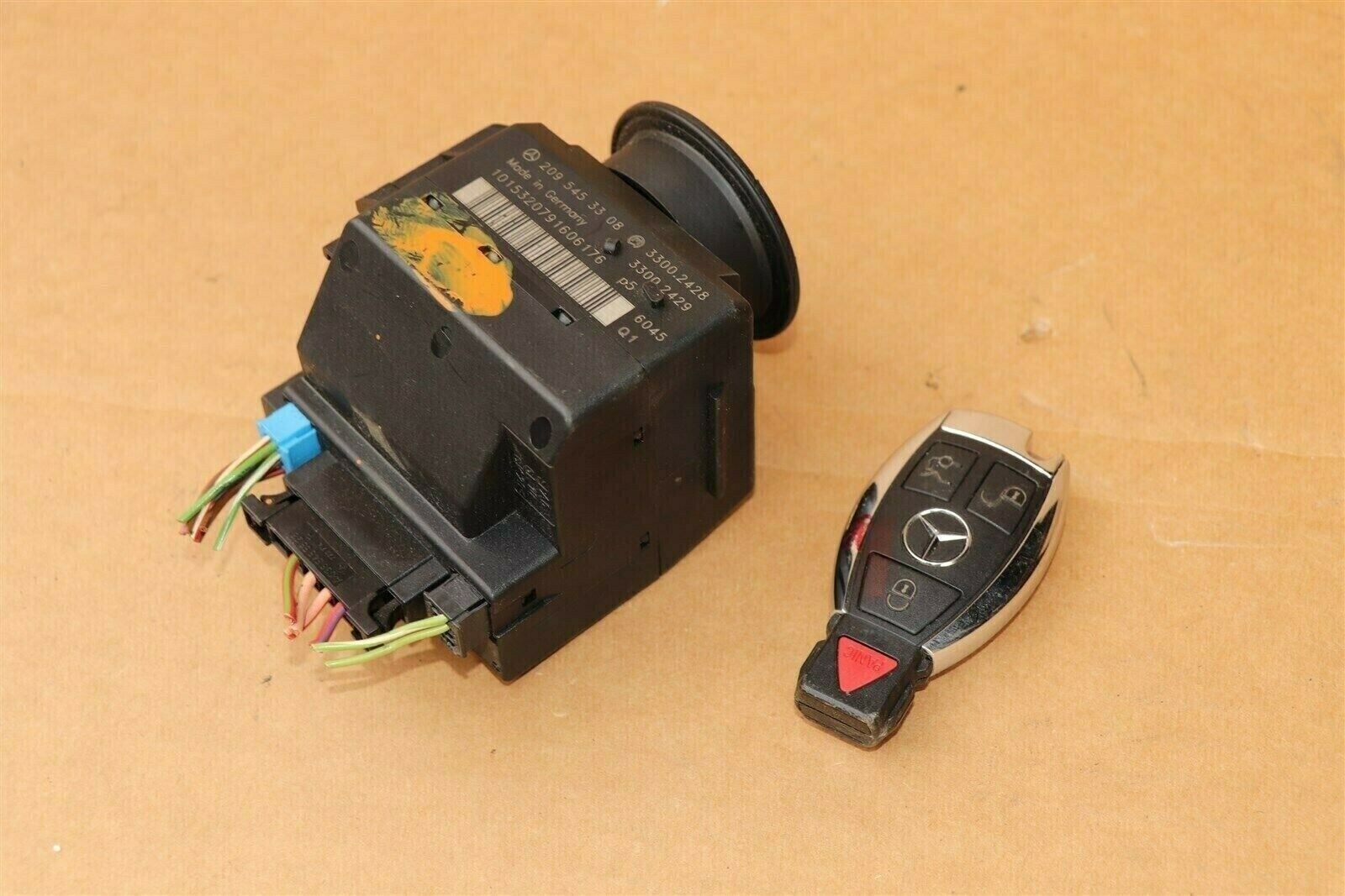 Mercedes Ignition Start Switch Module & Key Fob Keyless Entry Remote 2095453308