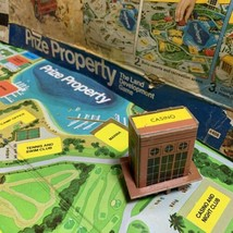 Prize Property Game Piece Ski Casino Building Yellow Milton Bradley 1974 - $3.95