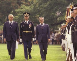 President Gerald Ford reviews troops with Shah of Iran New 8x10 Photo - $8.81