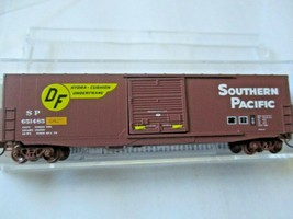 Micro-Trains # 18000171 Southern Pacific 50' Standard Boxcar N-Scale image 1