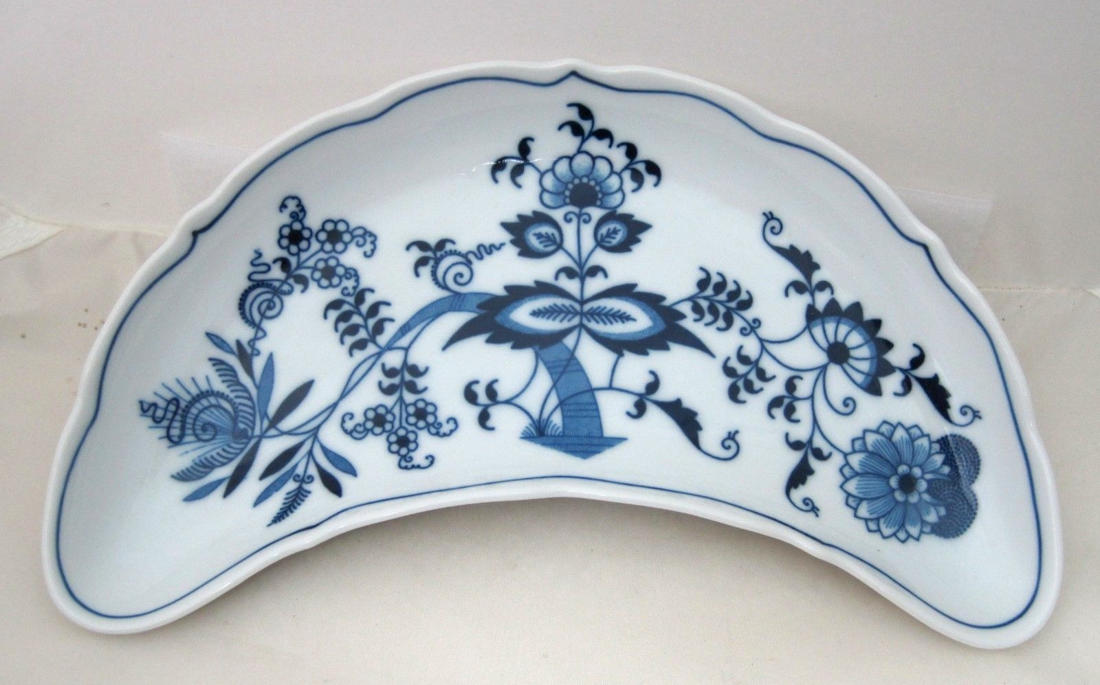 Primary image for Blue Danube Japan Crescent Salad Plate 9 Inch 1951-2000 In Great Shape